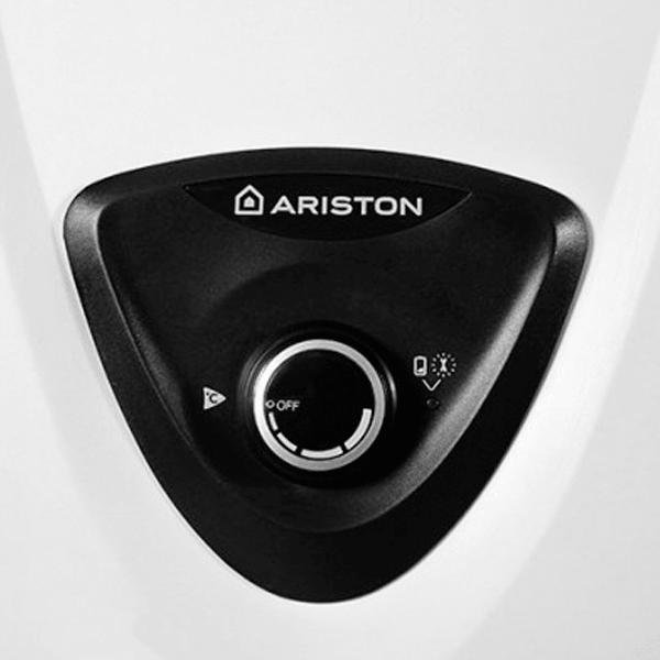 Ariston FAST EVO ONT B display
